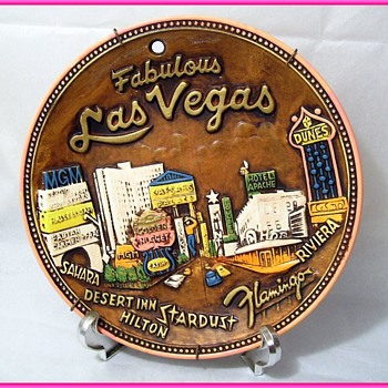 Vintage LAS VEGAS PLATE -- Pink Trim - Advertising