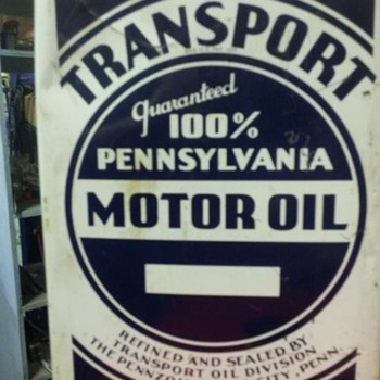 2 gallon oil can - Petroliana
