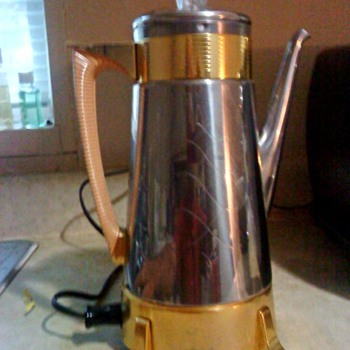 Dormeyer model 22 percolator. - Kitchen