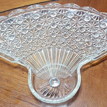 Daisy and Button Glass Fan