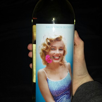 Marilyn Monroe 2013 Sauvignon Blonde  - Bottles
