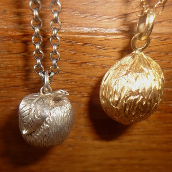Walnut and apple pendants, one gold one silver on Belcher chain - Fine Jewelry