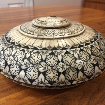 Inlaid bone opium pot