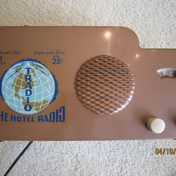 1946 Tradio 25 Cent Coin Operated 1 Hour Hotel Radio
