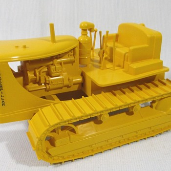 Cruver Caterpillar D-7  - Model Cars