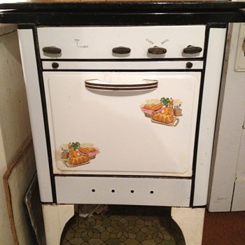 Vintage 3 Burner Stove in fantastic condition. - Kitchen