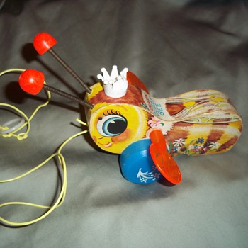Fisher Price toy - Queen Buzzy Bee 1960&#039;s