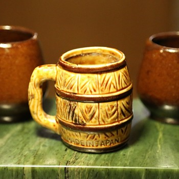 Lots of tiny cups / mugs... - Pottery