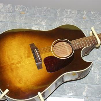 Gibson J45 Cutaway