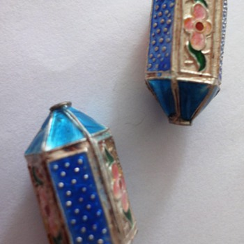 Two antique enameled Chinese bead - Fine Jewelry