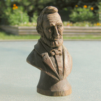 Minature Lincoln carving (Black Walnut?)