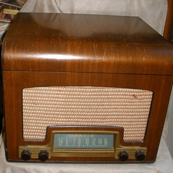 1946 Arvin Tablemodel 558 Radio/Phono Combo.  WORKS! - Radios
