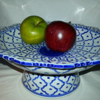 Pier 1 piece - China and Dinnerware