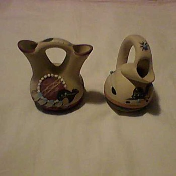 TWO PIECES OF NATIVE AMERICAN ARTISTIC POTTERY