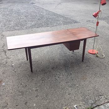Mid century teak table (danish)