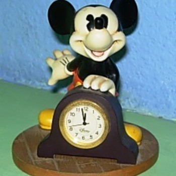 Resin Mickey Mouse clock - Clocks