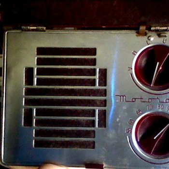 Motorola A-1 portable radio &amp; union 76 oil can