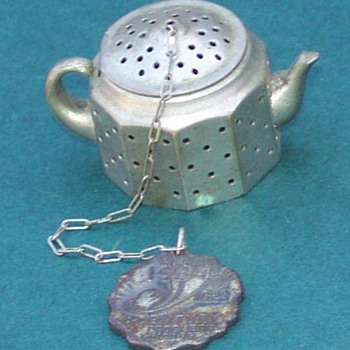 American Metals Tea Leaf Infuser