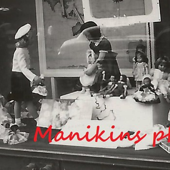 Old Photo of Mannequin and doll display store window  - Advertising