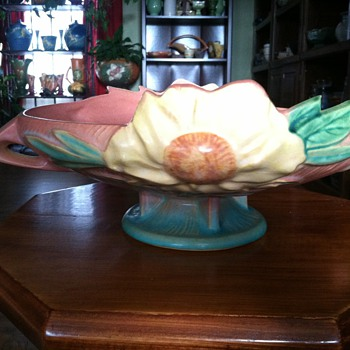 Roseville Peony Console - Art Pottery