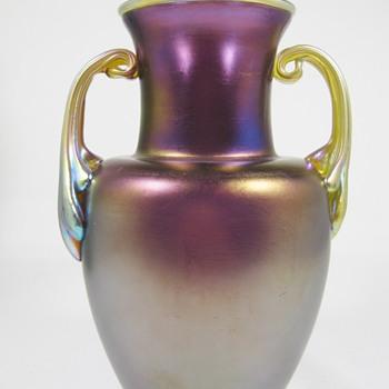 Loetz amethyst matt iris mit silberrand und henkeln, ca. 1920  - Art Glass