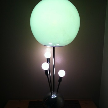 Vintage 60&#039;s Lamp Sputnik?  Atomic? Need help I.D&#039;ing