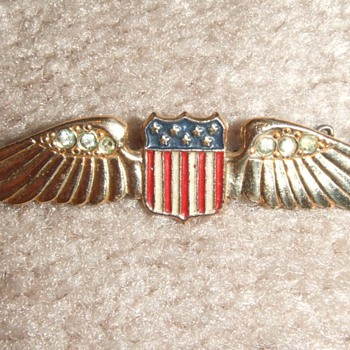 WW2 Sweetheart wing by Coro c. 1942 - Military and Wartime