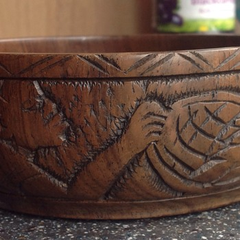 Turned & carved bowl - Folk Art