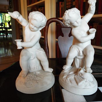 Statues - Figurines