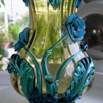 BLUE HARRACH FLOWERS  - Art Glass