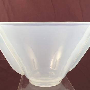 Loetz Brillantopal (Brilliant Opal) bowl, PN unknown, ca. 1936