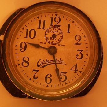 Olds car clock