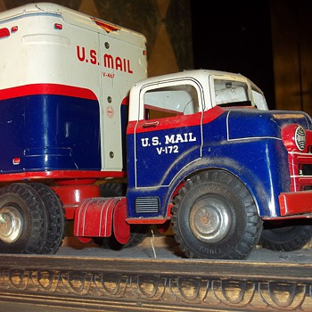VINTAGE TOY TRUCKS - Model Cars