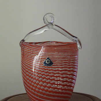 The G basket from Japan - Art Glass
