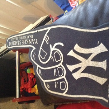 2009 Yankees foam finger