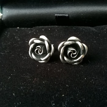 Theodor Klotz 1950s Teka Sterling Silver Royal Rose Earrings Flea Market Find 4,00 Euro ($4.36)