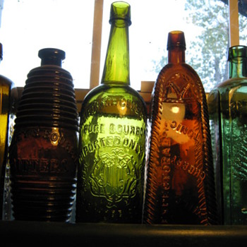 WESTERN WHISKEY BOTTLE - Bottles