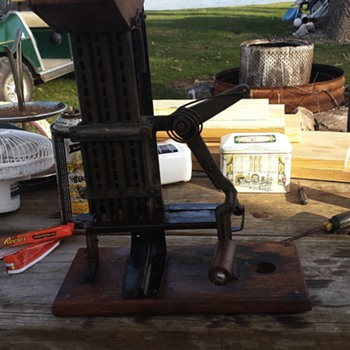 3 penny hand operated coin counter?!
