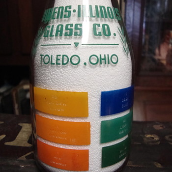 Owens Illinois Glass Co. Toledo, Ohio color sample milk bottle