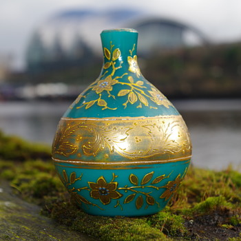 TURQUOISE GILDED MINATURE GLASS BOTTLE