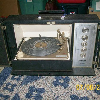  Vintage Magnovox Record Player Portable and Amplifier  - Records