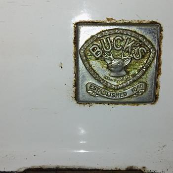 Bucks apartment stove