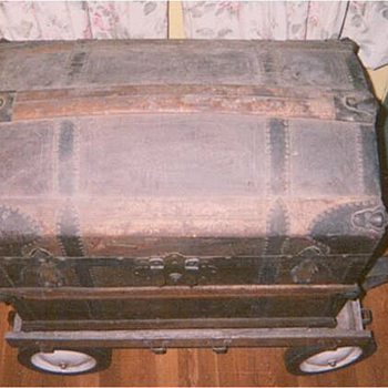 Beautiful Interior Camelback Trunk.Exterior - Victorian Era