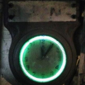 Old Neon Spinner Clock