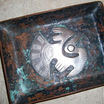 HAMMERED RAW COPPER TRAY WITH SILVER EMBLEM - Arts and Crafts