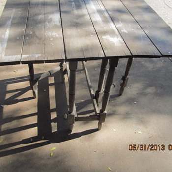 Small Gateleg Drop Leaf Table