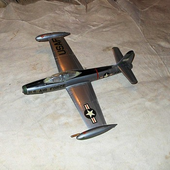 Republic F-84 Thunderjet Model - Toys