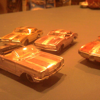 Aurora Cigar Box cars were quick like Hot Wheels...