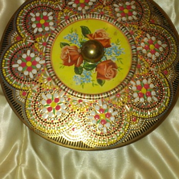 Vintage Daher Round Floral Mosaic Tin made in England