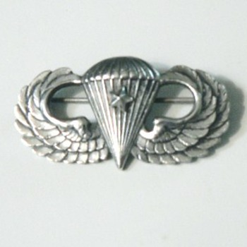 AIRBORNE WINGS - Military and Wartime